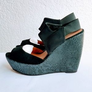 Donald J. Pliner Wedge Heels Size 8.5